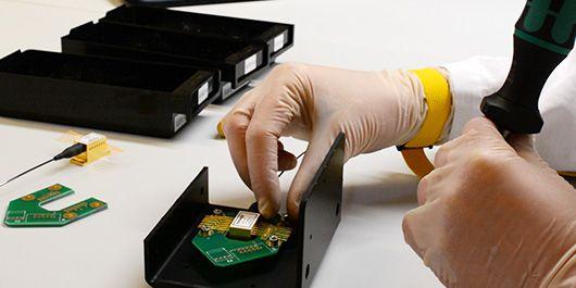 Assembling a laser module
